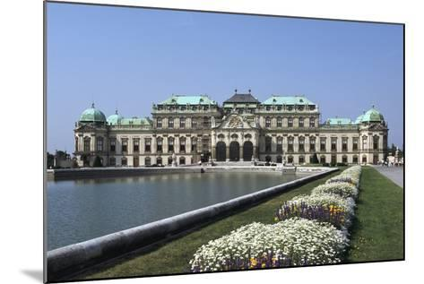 Belvedere Palace, Vienna, Austria-Peter Thompson-Mounted Photographic Print