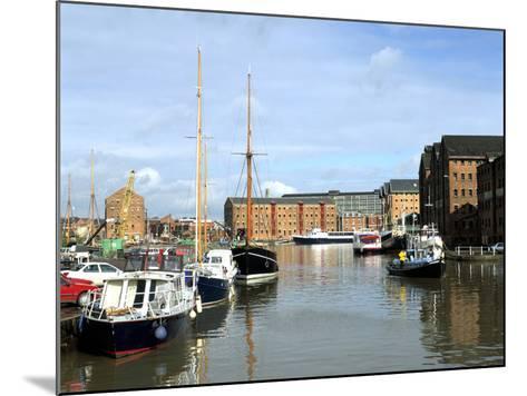 Gloucester Docks, Gloucestershire-Peter Thompson-Mounted Photographic Print