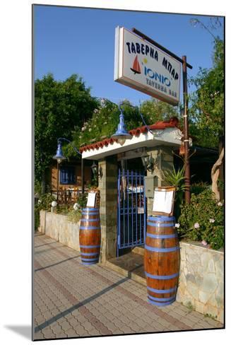 Taverna Lassi, Kefalonia, Greece-Peter Thompson-Mounted Photographic Print