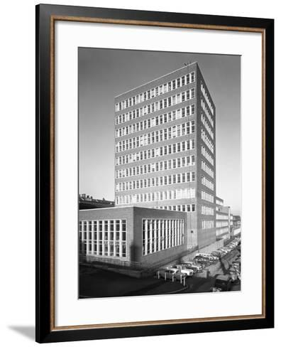 New Metallurgy Block Shortly after Completion, Sheffield University, South Yorkshire, 1966-Michael Walters-Framed Art Print
