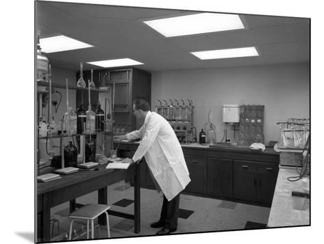 Laboratory Facility at Spillers Animal Foods, Gainsborough, Lincolnshire, 1960-Michael Walters-Mounted Photographic Print