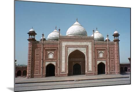 Taj Mahal Mosque, Agra, India-Vivienne Sharp-Mounted Photographic Print