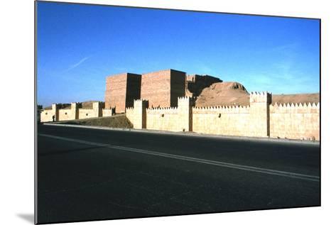 Mashki Gate, Nineveh, Iraq, 1977-Vivienne Sharp-Mounted Photographic Print
