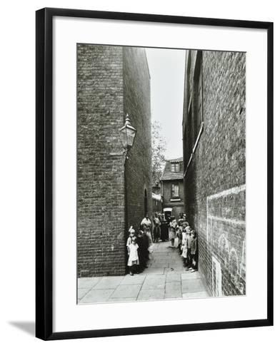 Children in an Alleyway, Upper Ground Place, Southwark, London, 1923--Framed Art Print