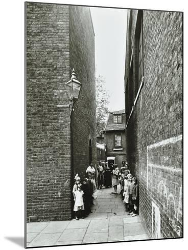 Children in an Alleyway, Upper Ground Place, Southwark, London, 1923--Mounted Photographic Print