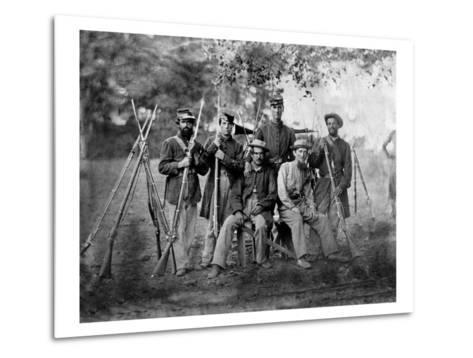 Group of Soldiers, Civil War-Lantern Press-Metal Print