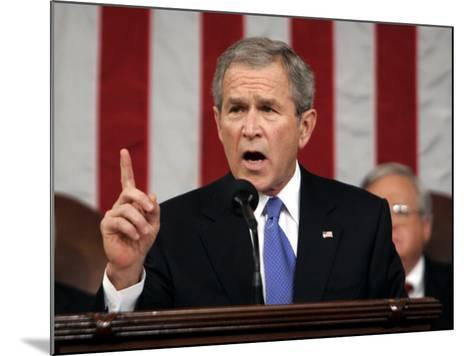 President Bush Delivers His Fifth State of the Union Speech--Mounted Photographic Print