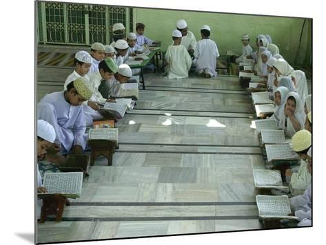 Indian Muslim Children Read the Holy Quran--Mounted Photographic Print
