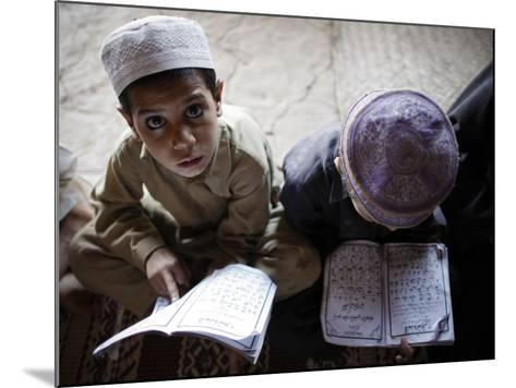 Afghan Refugee Children Read Verses of the Quran During a Daily Class at a Mosque in Pakistan--Mounted Photographic Print
