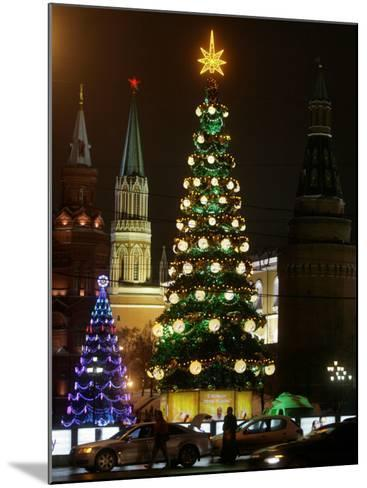 Christmas Trees Rise Just Outside the Moscow Kremlin--Mounted Photographic Print