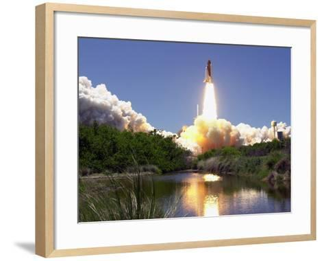 Space Shuttle-John Raoux-Framed Art Print