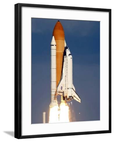 Space Shuttle-Alan Diaz-Framed Art Print