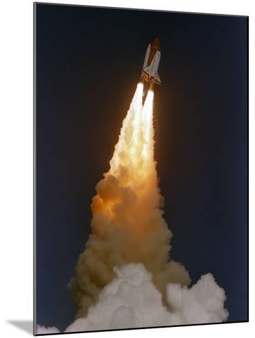 Space Shuttle Discovery-Phil Sandlin-Mounted Photographic Print