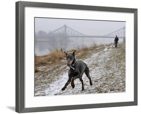 DEU SN Wetter-Matthias Rietschel-Framed Art Print