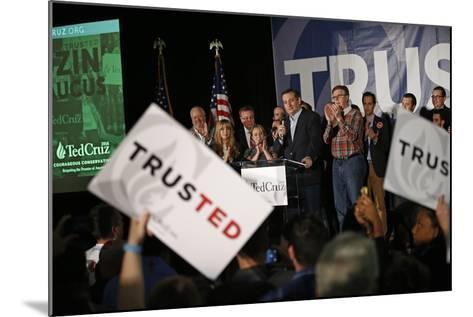 GOP 2016 Cruz-John Locher-Mounted Photographic Print