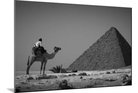 Looking Back-Dan Ballard-Mounted Photographic Print