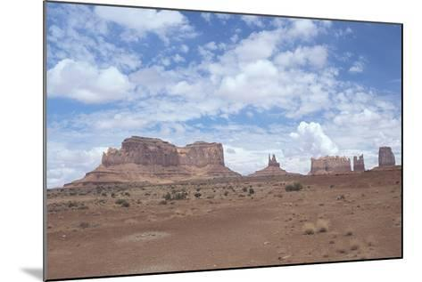 Monument Valley 11-Gordon Semmens-Mounted Photographic Print