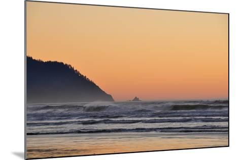 Ocean Sunset I-Logan Thomas-Mounted Photographic Print