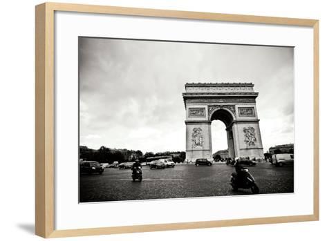 Arc de Triomphe II-Erin Berzel-Framed Art Print