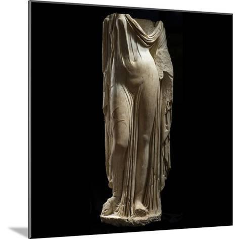Statue Female Portrait of Type of Venus Genetrix--Mounted Photographic Print