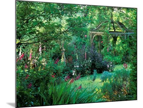 A Romantic Retreat-Lynn Keddie-Mounted Photographic Print