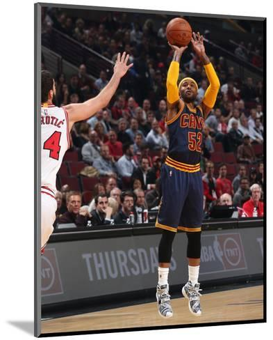 Cleveland Cavaliers v Chicago Bulls-Gary Dineen-Mounted Photo