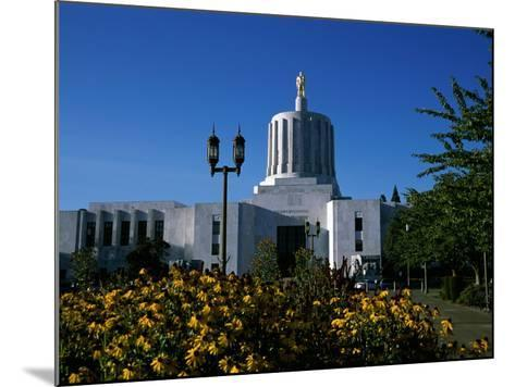 State Capitol, Salem, Oregon, USA--Mounted Photographic Print