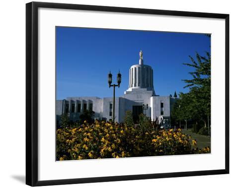 State Capitol, Salem, Oregon, USA--Framed Art Print