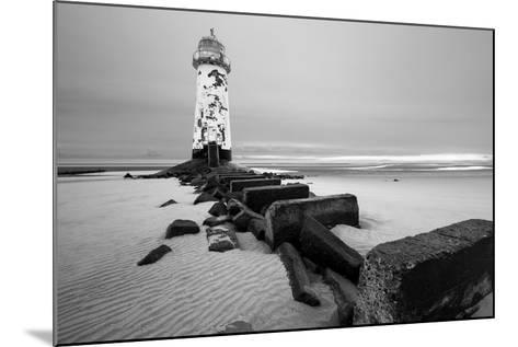 Talacre Lighthouse Point of Ayr- cieniu1-Mounted Photographic Print