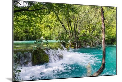 Plitvice Lakes National Park, the Largest National Park in Croatia, UNESCO World Heritage-siempreverde22-Mounted Photographic Print