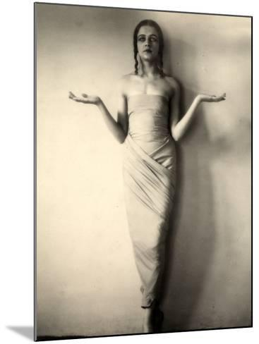Portrait of Jia Ruskaja, Prima Ballerina of the Teatro Della Scala in Milan--Mounted Photographic Print