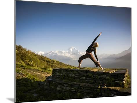 Anapurna Circuit, Ghorepani, Nepal-Dan Holz-Mounted Photographic Print