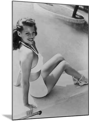 Rita Hayworth, 1945--Mounted Photographic Print