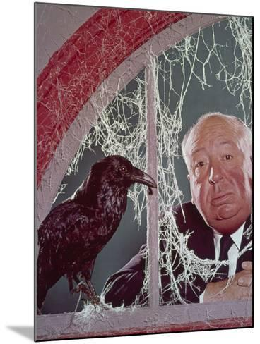 Alfred Hitchcock, The Birds, 1963--Mounted Photographic Print