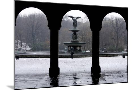 Freezing Rain and Snow in New York City-Peter Foley-Mounted Photographic Print