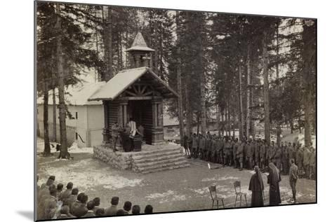 Pictures of War II: Italian Soldiers Participating in the Mass at the Chapel--Mounted Photographic Print