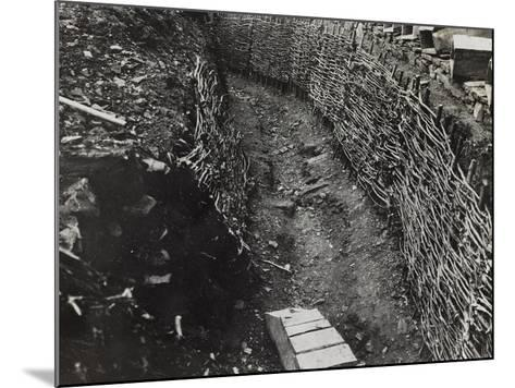 Trench Construction During the First World War-Luigi Verdi-Mounted Photographic Print