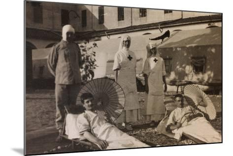 Pictures of War II: Red Cross Nurses Treating Wounded Soldiers with the Sun Therapy, Vicenza--Mounted Photographic Print