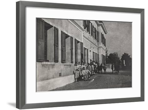 First World War: A Group of Wounded Soldiers at the Military Hospital in Front of Cervignano--Framed Art Print