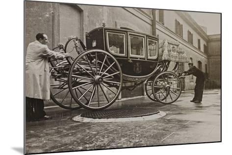 The Sedan Gala Golden of Vittorio Emanuele Ii, Built in 1878-Luigi Leoni-Mounted Photographic Print