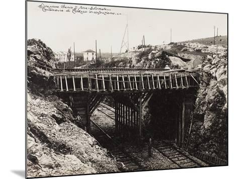 Leadership Corps of Engineers 2nd Area 3rd Army, Construction of Cavalvavia Polazzo During WWI--Mounted Photographic Print