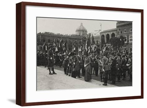 Visions of War 1915-1918: Crowd Gathered for the Celebrations at the End of the Great War-Vincenzo Aragozzini-Framed Art Print