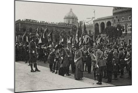 Visions of War 1915-1918: Crowd Gathered for the Celebrations at the End of the Great War-Vincenzo Aragozzini-Mounted Photographic Print