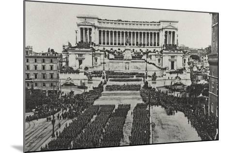 Visions of War 1915-1918: Celebrations at the End of the Great War-Vincenzo Aragozzini-Mounted Photographic Print