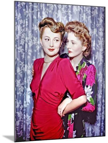 Joan Fontaine, Olivia De Havilland--Mounted Photographic Print