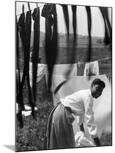 Woman Doing Laundry, C1902-Gertrude Kasebier-Mounted Photographic Print