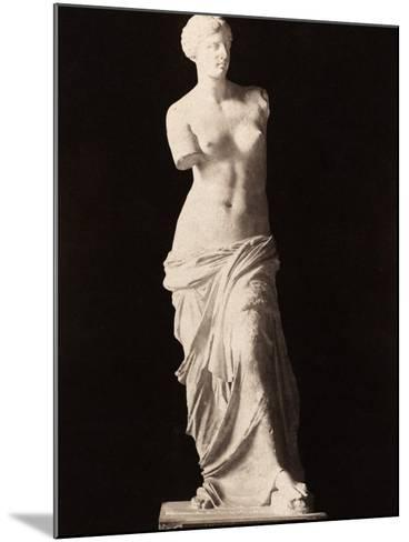 Venus De Milo--Mounted Photographic Print
