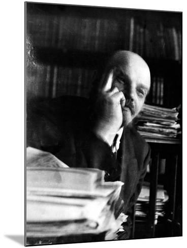 Vladimir Lenin (1870-1924)--Mounted Photographic Print