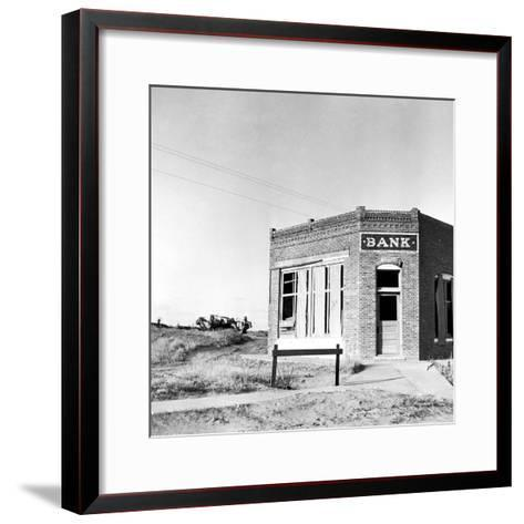 Closed Bank, 1936-Arthur Rothstein-Framed Art Print