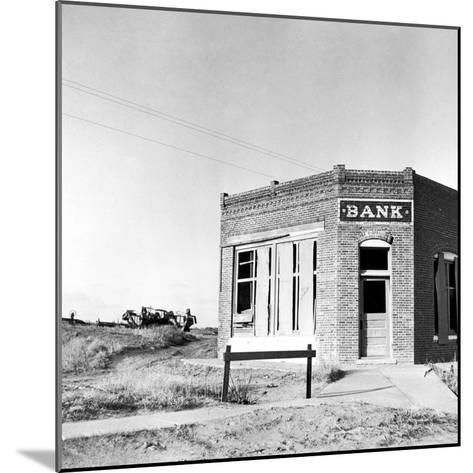 Closed Bank, 1936-Arthur Rothstein-Mounted Photographic Print